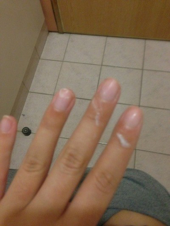 【女神投稿】可愛い素人娘が粘ついたマン汁指に付けて自撮りで晒すwwwwwwwww 0630