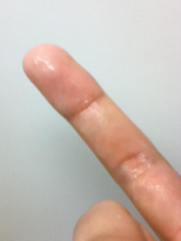 【女神投稿】可愛い素人娘が粘ついたマン汁指に付けて自撮りで晒すwwwwwwwww 0643