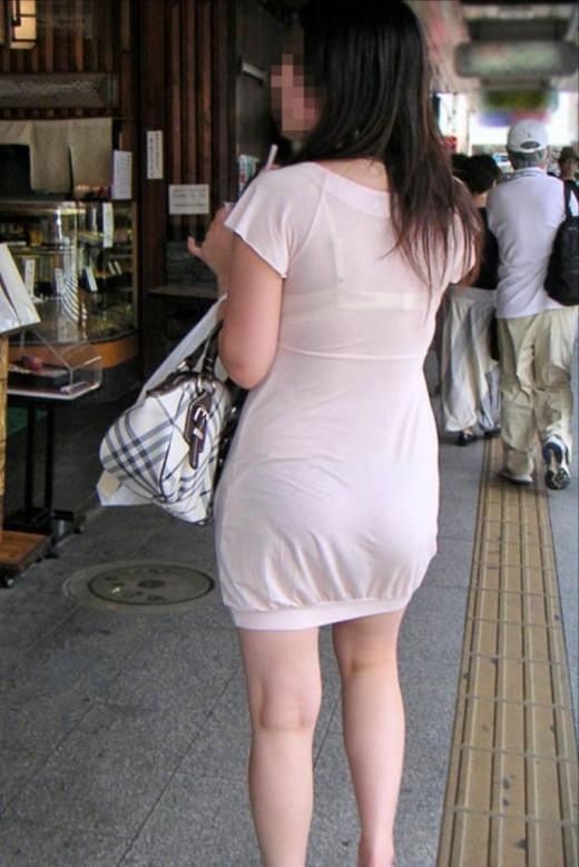 【盗撮画像】ブラが透けてるお姉さんを街撮りパシャリwwwwwwww 0727