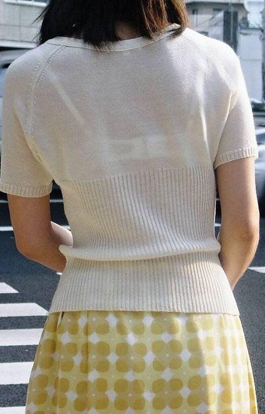 【盗撮画像】ブラが透けてるお姉さんを街撮りパシャリwwwwwwww 0738