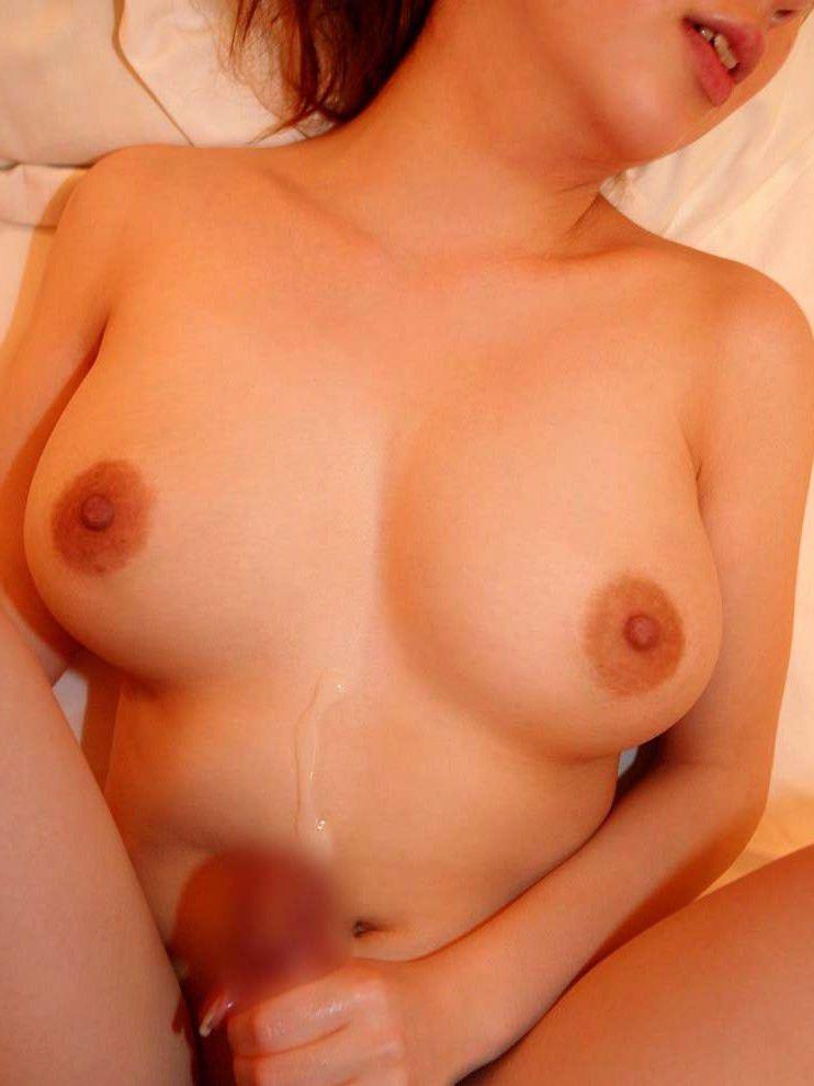 【素人投稿】初ガチ生セックスの膣外射精ぶっかけザー汁と彼女を記念撮影wwwwwwwww 11110