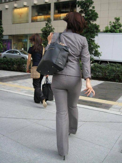 【素人盗撮】働くお姉さん透けパンツやブラジャーを激写街撮りwwwwwwwwwww 11203