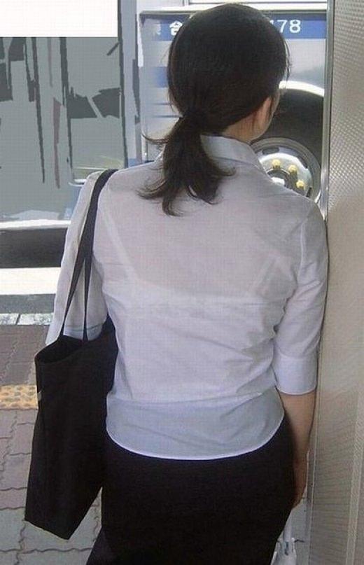 【素人盗撮】働くお姉さん透けパンツやブラジャーを激写街撮りwwwwwwwwwww 11218