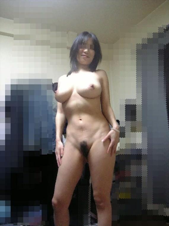 【素人投稿】なんだか良く分からんけど彼女が全裸で直立不動になってる姿を撮ったったwwwwwwwww 1144