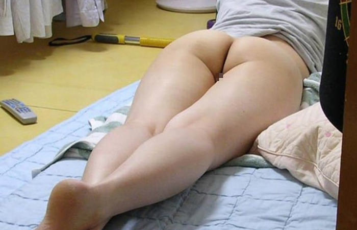 【素人画像】上半身だけ服来て寝てる彼女の生尻を勝手に撮影→ネット流出wwwwwwwwww 1162