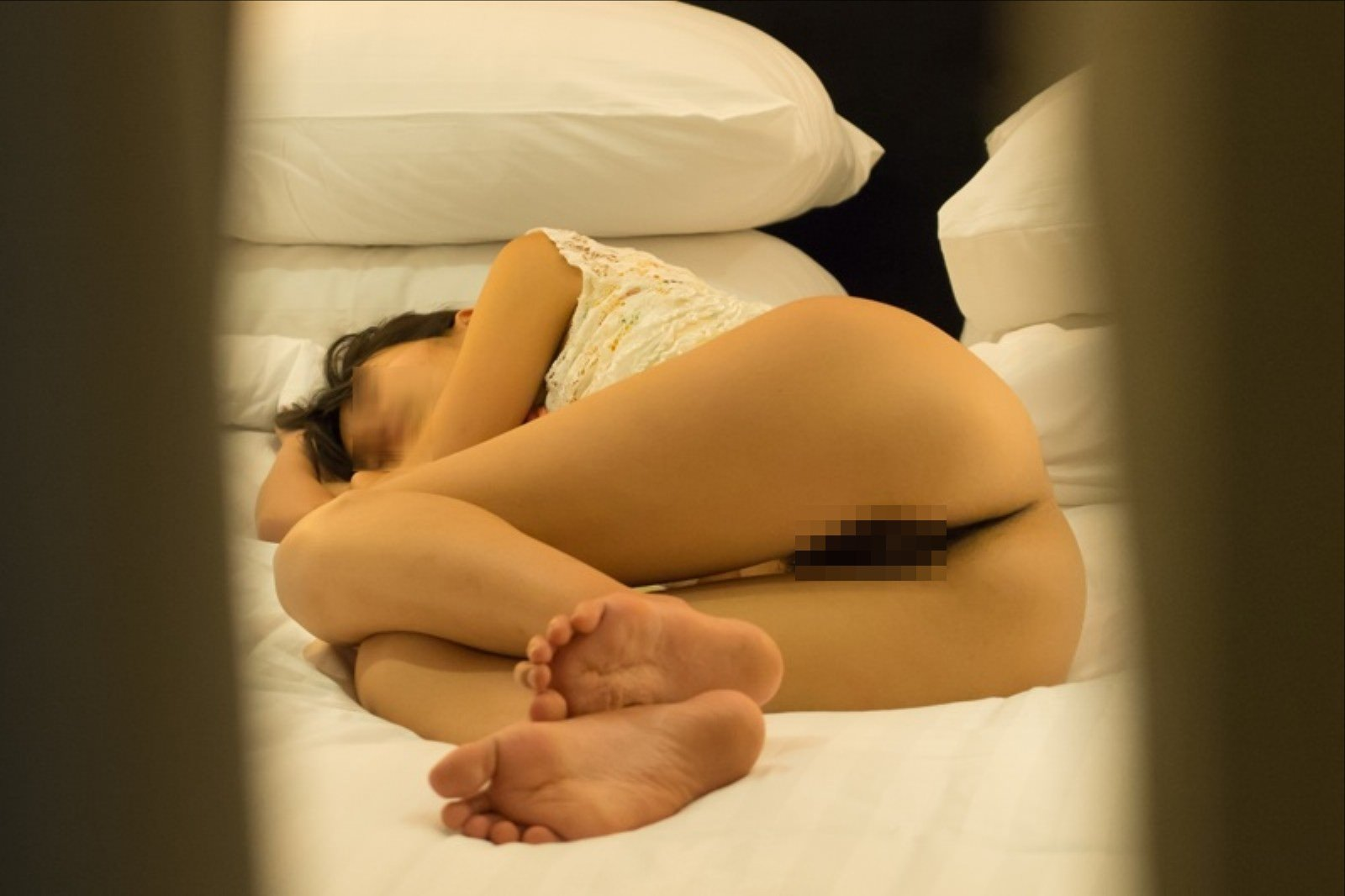 【素人画像】上半身だけ服来て寝てる彼女の生尻を勝手に撮影→ネット流出wwwwwwwwww 1188