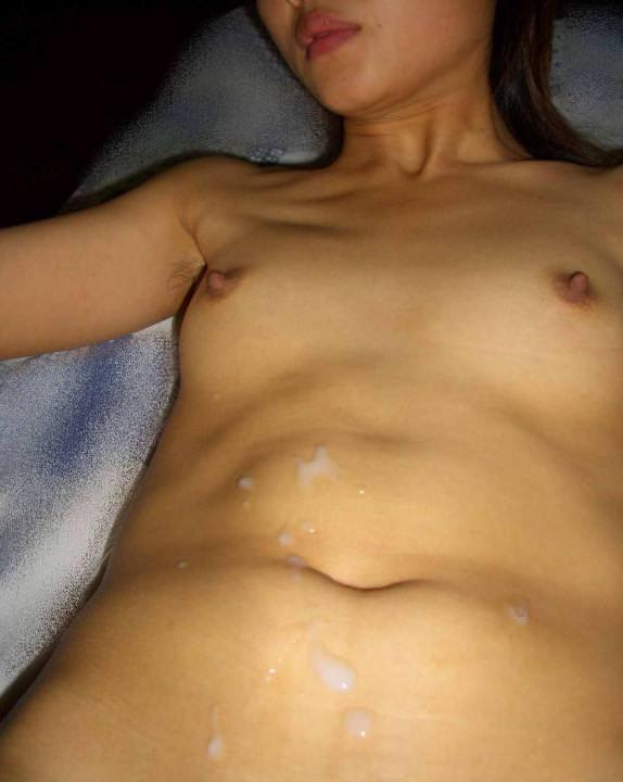 【素人投稿】初ガチ生セックスの膣外射精ぶっかけザー汁と彼女を記念撮影wwwwwwwww 1196