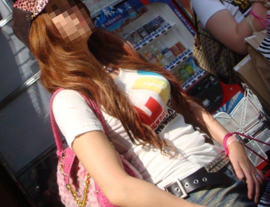 【素人流出】カジュアルにTシャツ来てるギャルが好きなやつwwwwwwwwwww 2001
