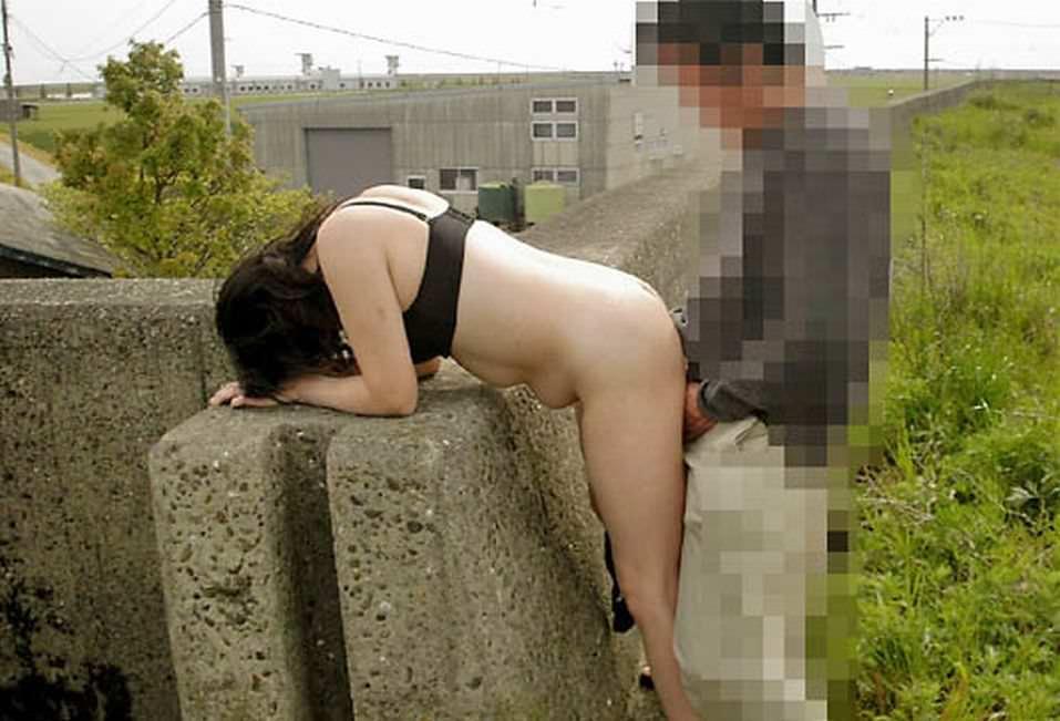 【個人撮影】抑えきれない性欲を野外で開放する素人青姦セクロスwwwwwwww 2022