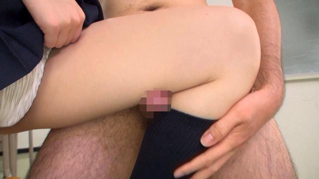 膝裏の太ももでオチンポしごく足コキを晒すから見たい奴いる? 2444