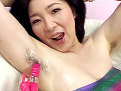 【熟女画像】アラフォー素人妻のワキ毛に絡む汗がいやらしい匂いを漂わすwwwwww 2754