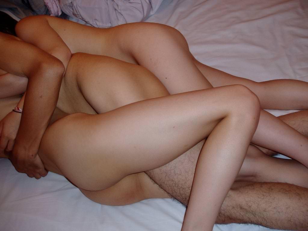 【素人流出】女2人に挟まれて柔らかいお肉を堪能する3Pがエロすぎて裏山しすぎwwwwwww 2773