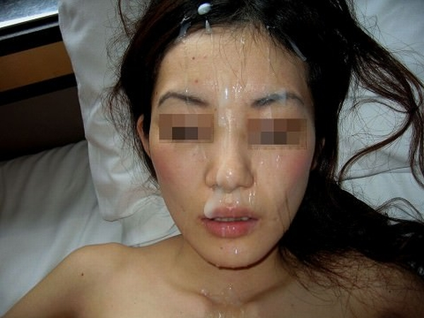 人生初の顔射を超絶拒否る彼女に突然ぶっかけたら全てを諦めた顔してワロタwwww thumb 19