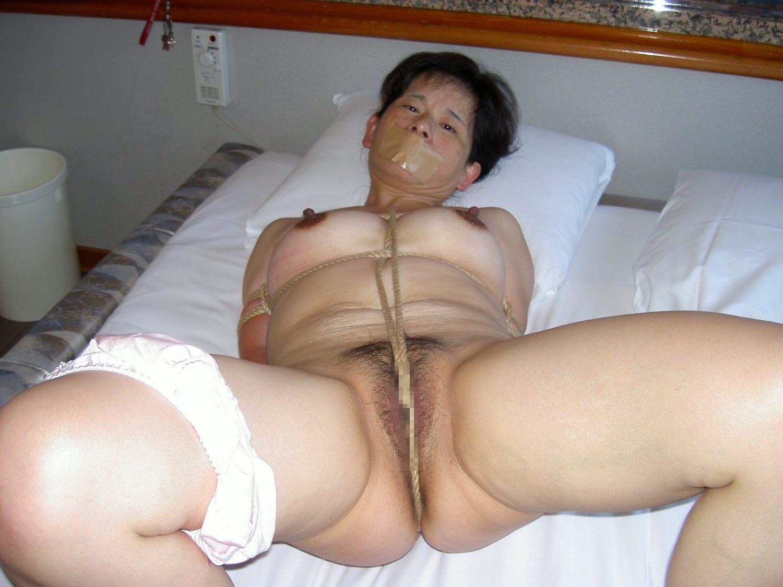 【熟女緊縛】縛るロープに肉が食い込むメス豚チャーシューをご覧ください。 0113