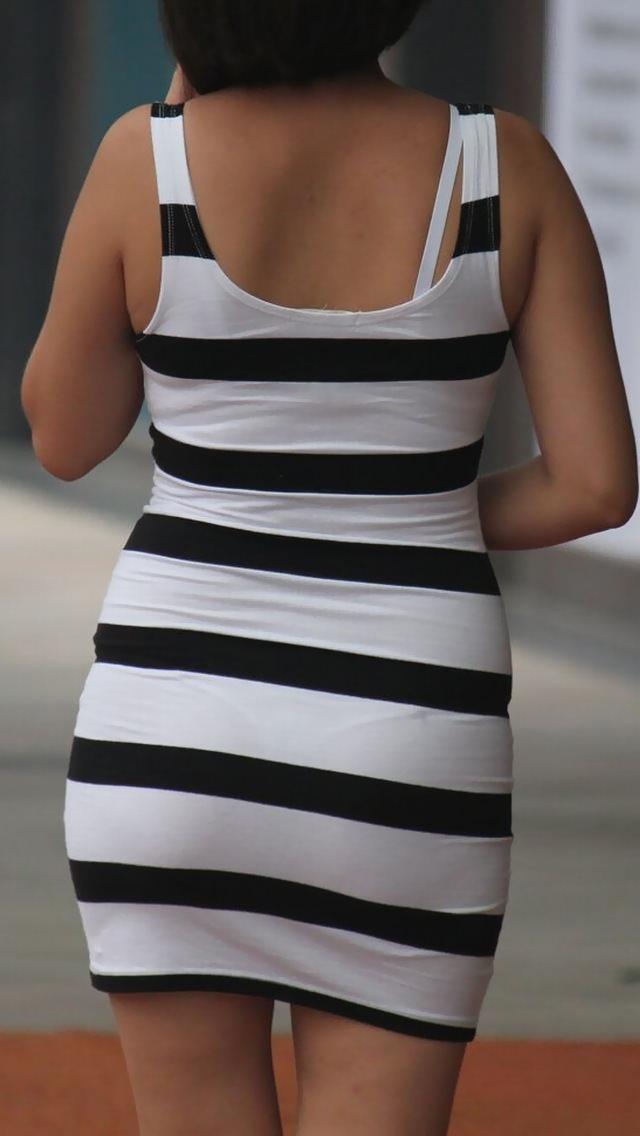 【盗撮23枚】パンティー透けてるのに気付いてない薄着女子を街撮りゲットwwwww 0130
