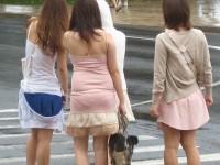 【盗撮23枚】パンティー透けてるのに気付いてない薄着女子を街撮りゲットwwwww