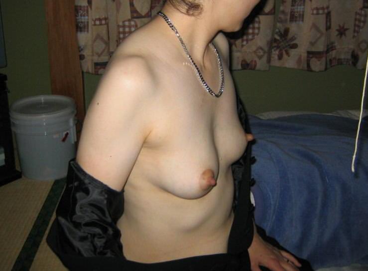 【パフィーニップル】腫れてる乳輪しゃぶりてぇwwwぷっくり乳首の素人おっぱい画像www 0712