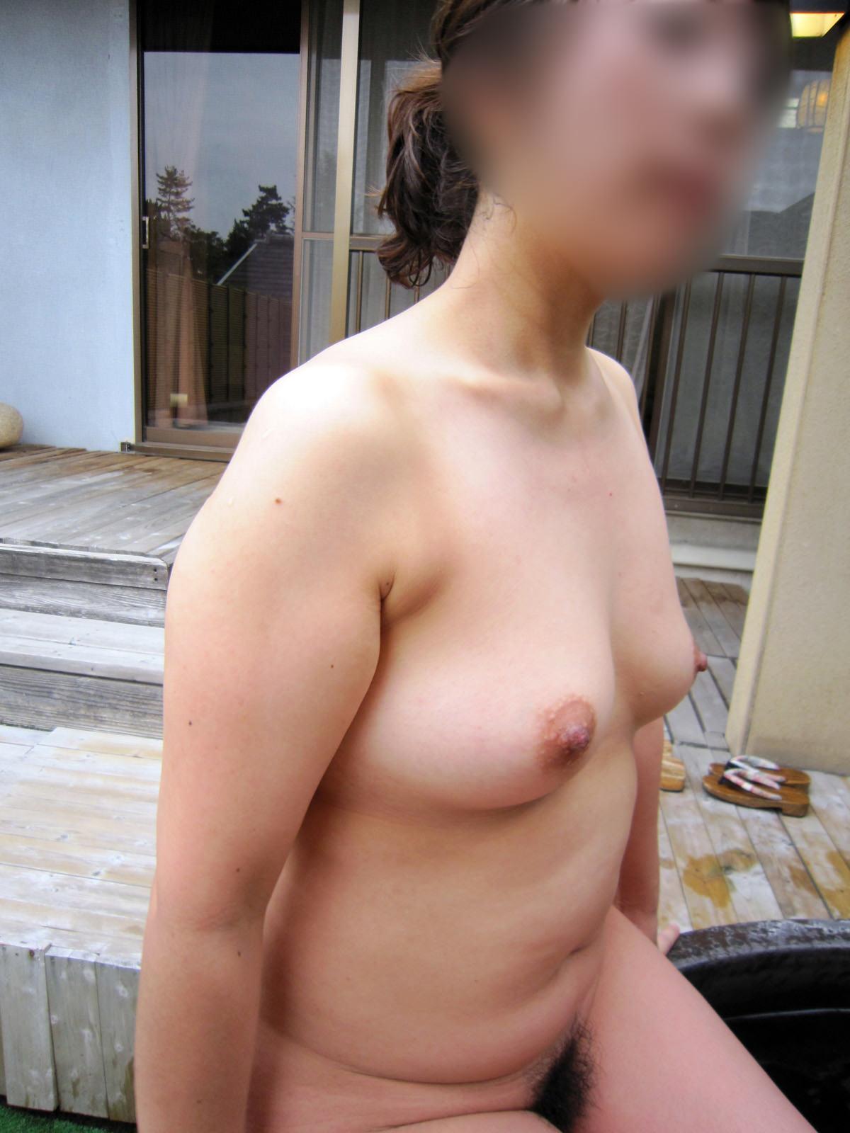 【不倫旅行】変態の彼氏が露天風呂で彼女の全裸撮影→無許可でネット投稿wwwwwww 0742