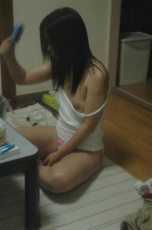 【素人投稿】お風呂あがりの彼女を盗撮www濡髪がエロすぎるから自慢げに晒すわwww 1524