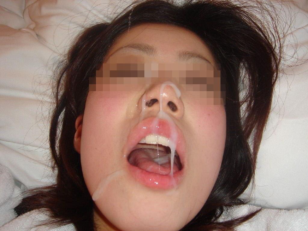 【素人投稿】嫌そうな顔する彼女の顔に顔射ぶっかけwww記念にドアップ接写顔www 17...32