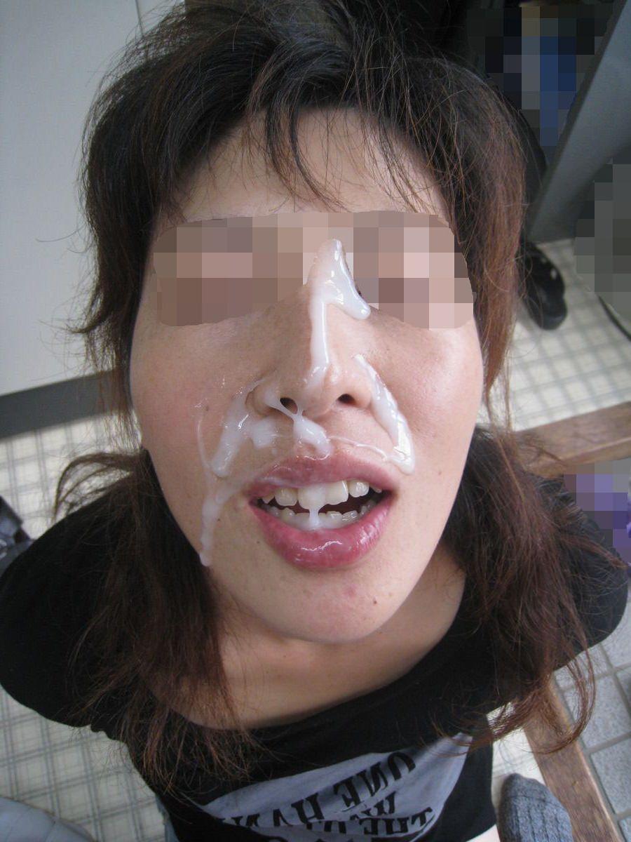 【素人投稿】嫌そうな顔する彼女の顔に顔射ぶっかけwww記念にドアップ接写顔www 17...40