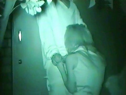 【素人流出】夜ならバレないからと彼女に強制野外フェラさせてネット投稿www 1823