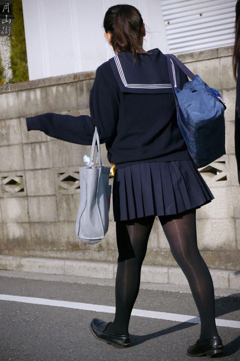【JK盗撮】ミニスカ女子校生が黒パンスト履いた太ももがクソ抜ける街撮りwwww 2038