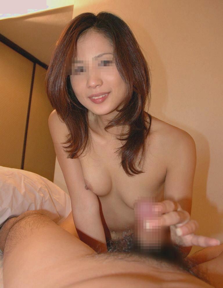 【素人不倫】人妻が旦那じゃない彼氏を手コキしてる激ヤバ流出画像wwwww 2501