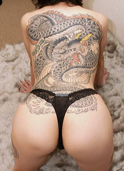 和彫りの刺青が入った素人女子の裸体がイカツ過ぎるけどビビりながら抜くのが快感wwwww 2829