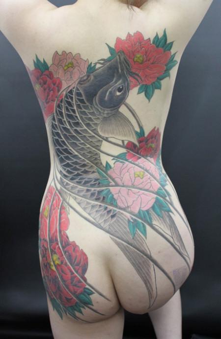 和彫りの刺青が入った素人女子の裸体がイカツ過ぎるけどビビりながら抜くのが快感wwwww 2831
