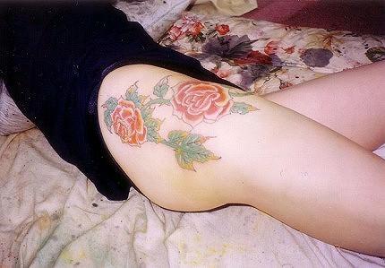 和彫りの刺青が入った素人女子の裸体がイカツ過ぎるけどビビりながら抜くのが快感wwwww 2835