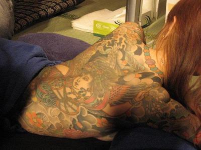 和彫りの刺青が入った素人女子の裸体がイカツ過ぎるけどビビりながら抜くのが快感wwwww 2854