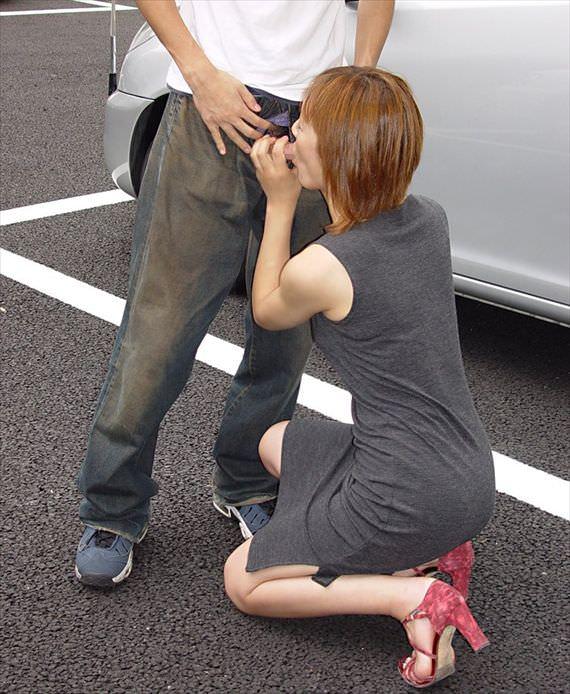 出合い系で知り合った素人妻を人気のない所に連込み野外フェラ強制wwww 2909
