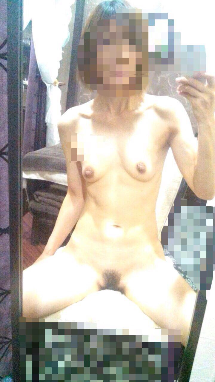 【素人流出】不倫中のセフレ熟女が「オカズにしてね」と自撮りエロ写真を送ってくるから晒すwwwww 0527