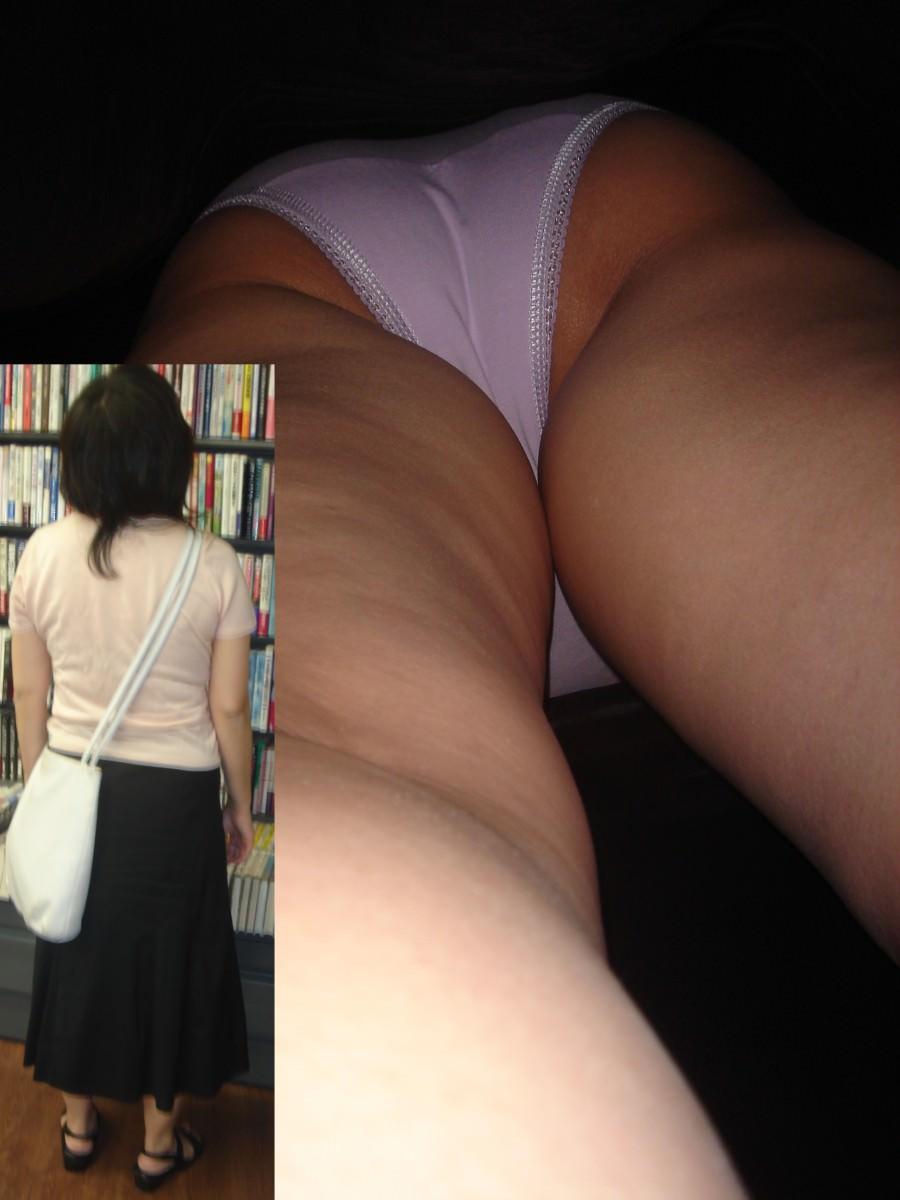 素人女子がロングスカートで絶対大丈夫とたかをくくった結果 → 余裕の逆さパンチラwwww 0652