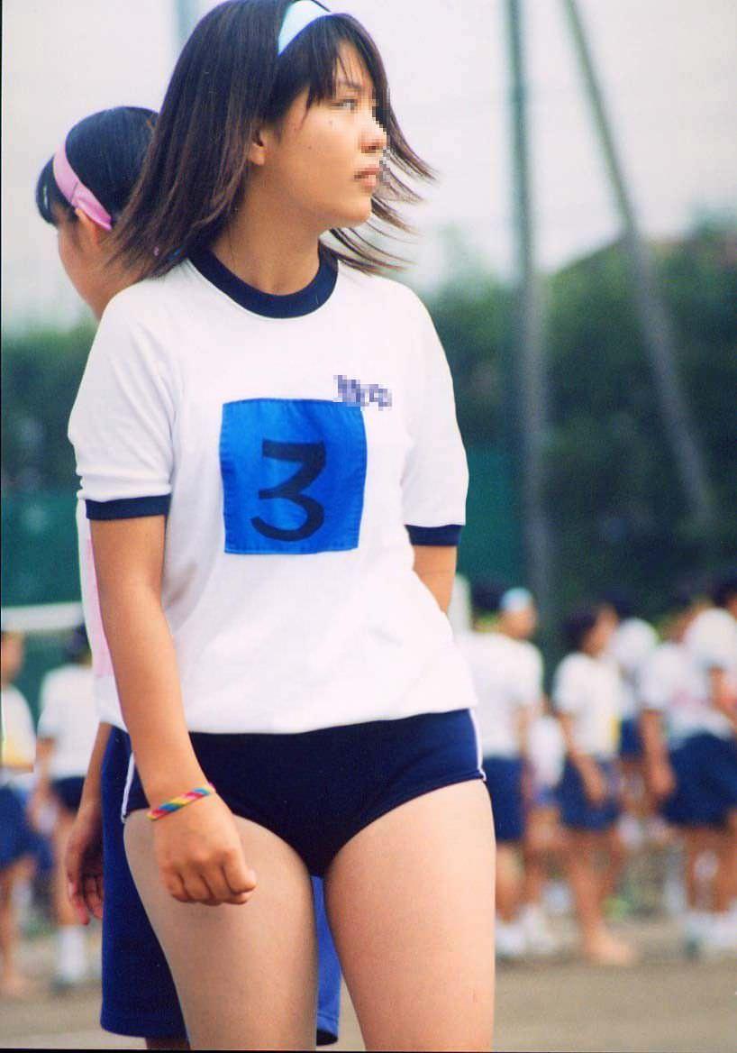 【盗撮画像】ガチリアル!体育で女子のブルマが良い眺め過ぎてずっと見てられるwww 0807