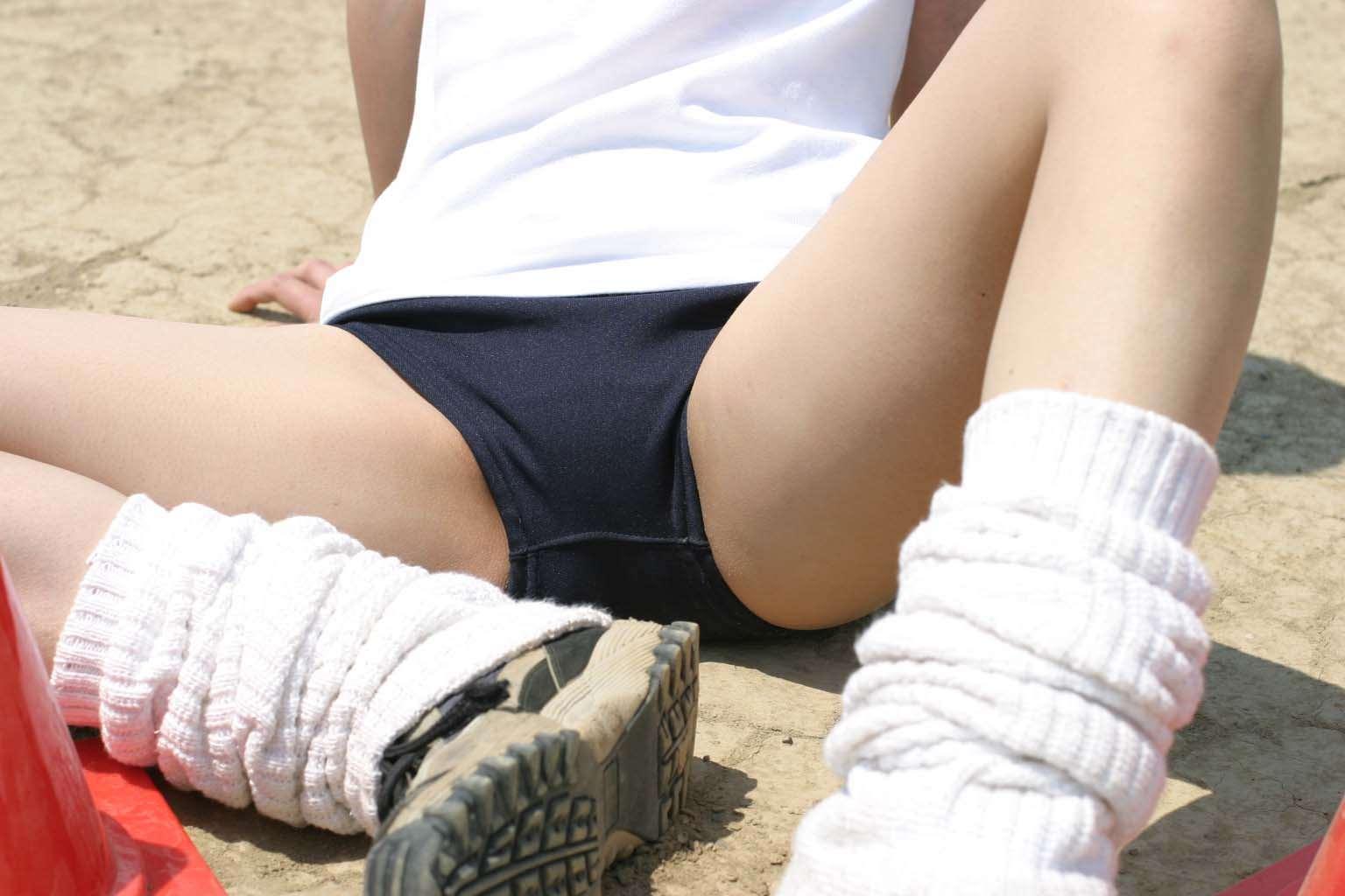 【盗撮画像】ガチリアル!体育で女子のブルマが良い眺め過ぎてずっと見てられるwww 0821