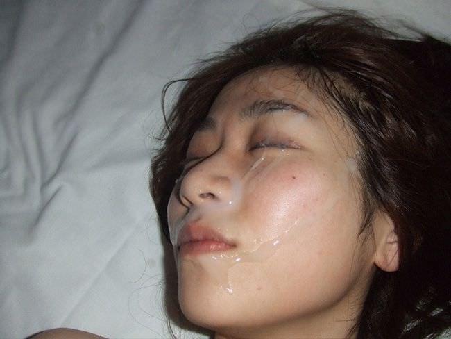 【熟女顔射】若いチンコが不倫中の人妻の顔面をザー汁だらけにwww 1015