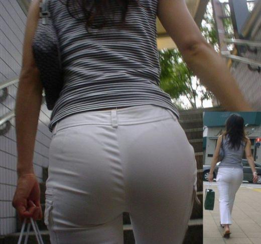 ガチ素人の街撮り透けパンチラをもっこり盗撮www 1050