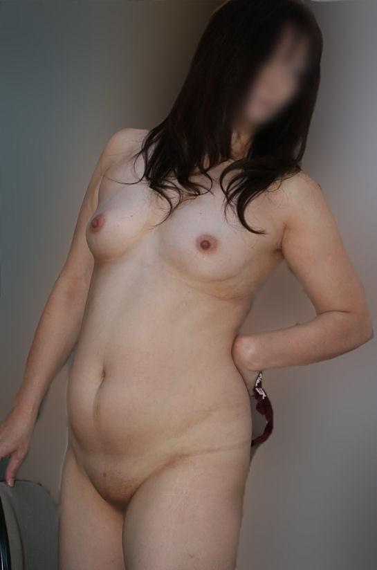 【素人画像】熟女のまん臭除去のためパイパンにさせた証拠写真をうpwwwwww 1214