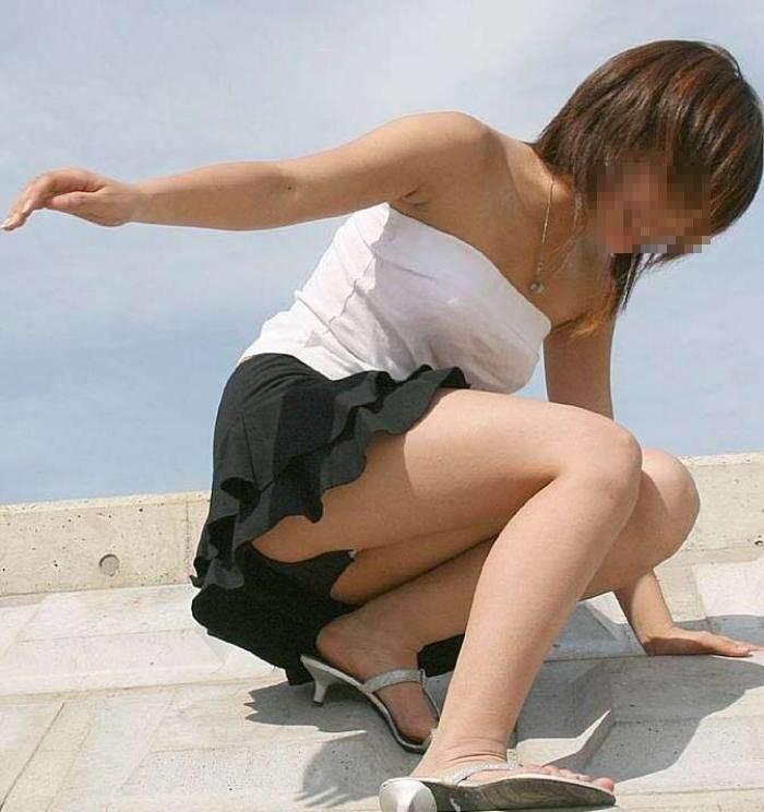 見せつける感じでパンチラしてくるド変態系彼女のパンツ丸見えが笑えるwwwww 1221