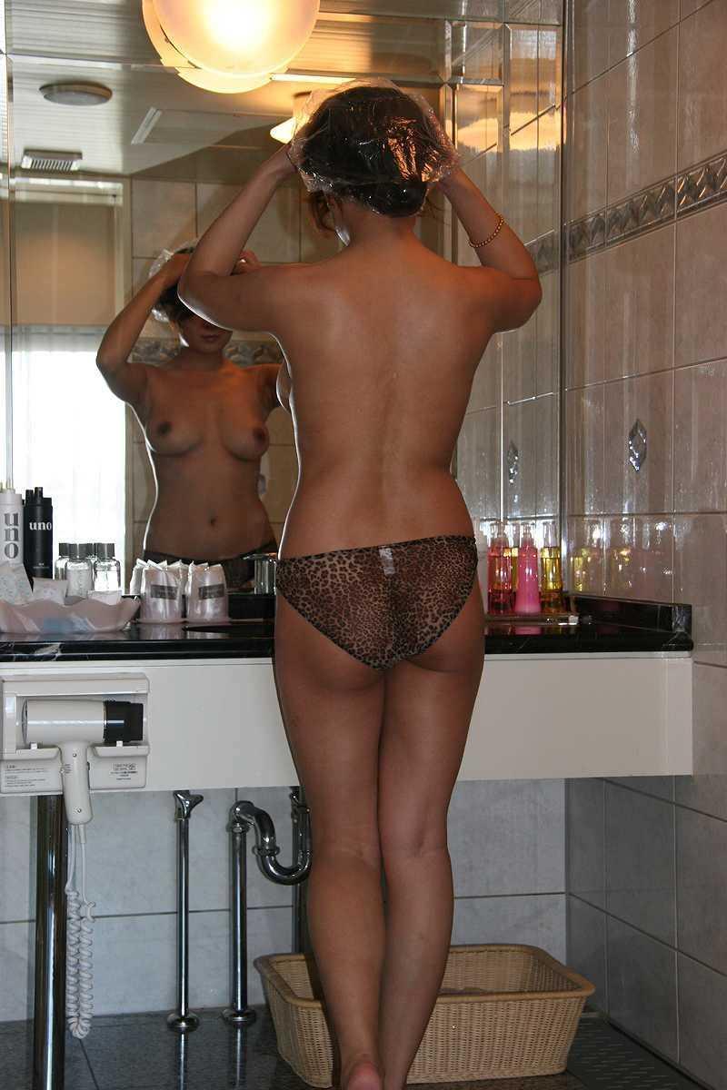 【素人流出】お風呂入る彼女が脱衣所で脱ぐ姿が大好き過ぎるwwwww 1546