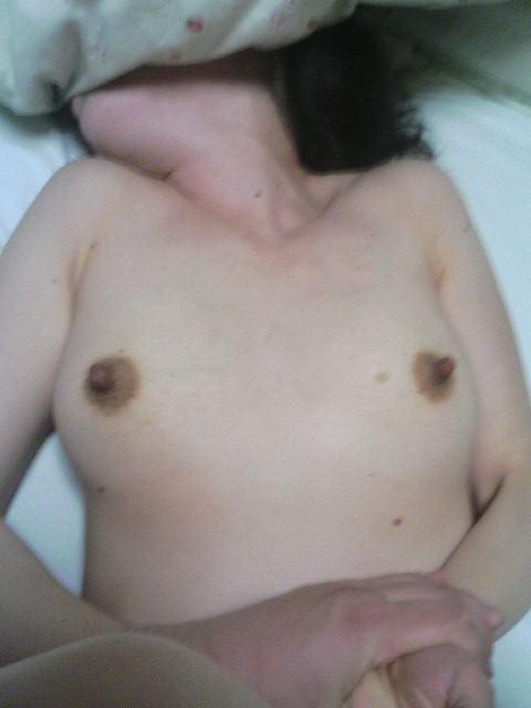 【素人投稿】愛しすぎた奥さんを正常位でハメ撮りしてネット公開した鬼畜旦那wwww 2131