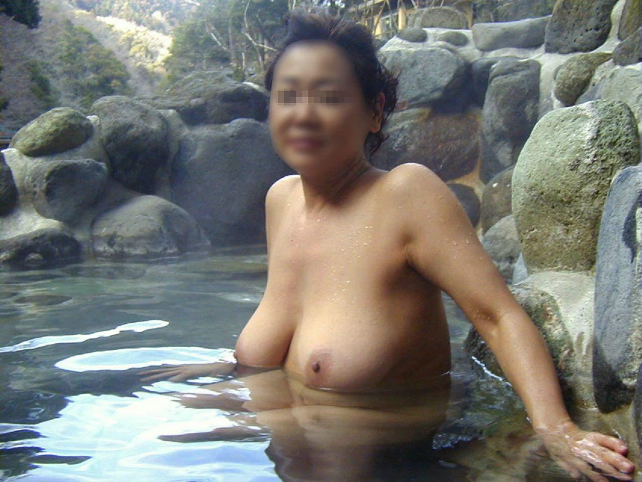学生の頃付き合ってた人妻と不倫旅行で温泉行った時の素人エロ画像晒すwwww 2811