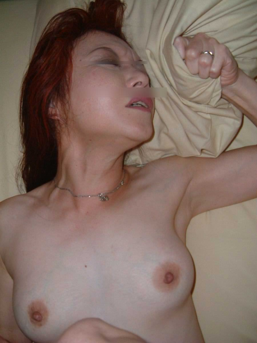 性欲衰えずガチ逝きする熟女のアクメ顔wwww 1145