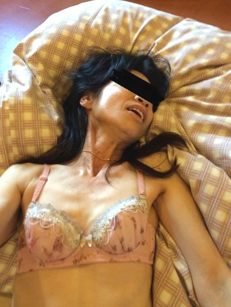 性欲衰えずガチ逝きする熟女のアクメ顔wwww 1147