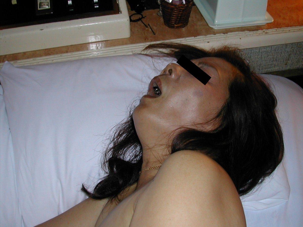 性欲衰えずガチ逝きする熟女のアクメ顔wwww 1150