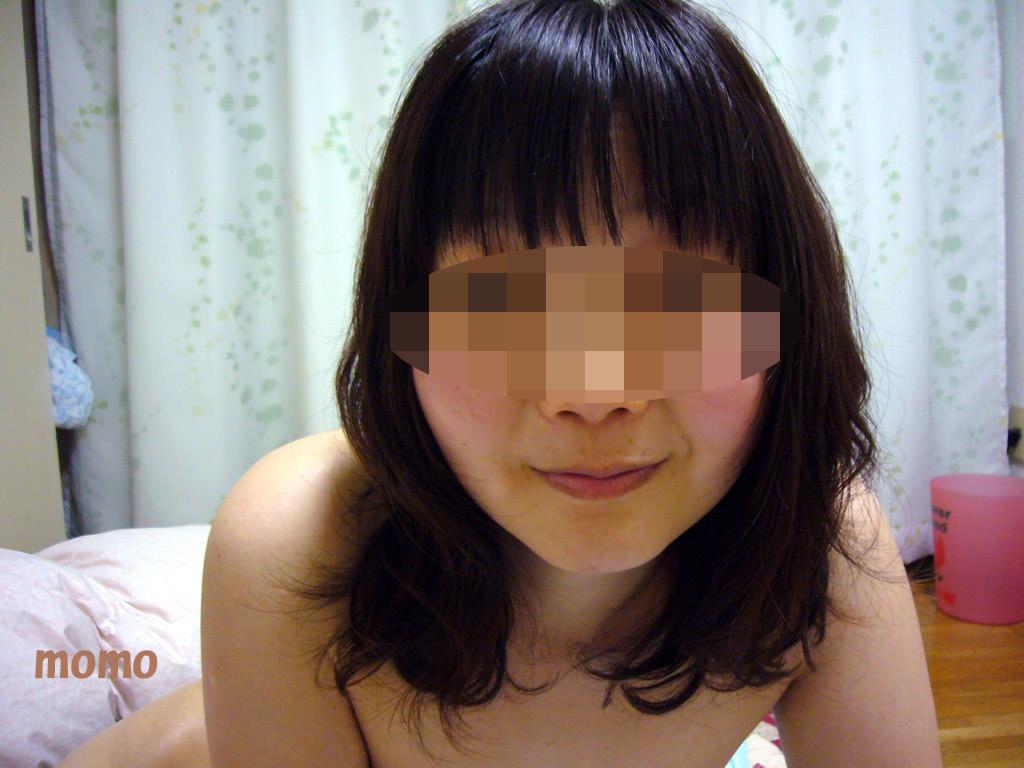 ロリ可愛いエロい肉付きしたドスケベ人妻のフェラ顔射wwww 2328