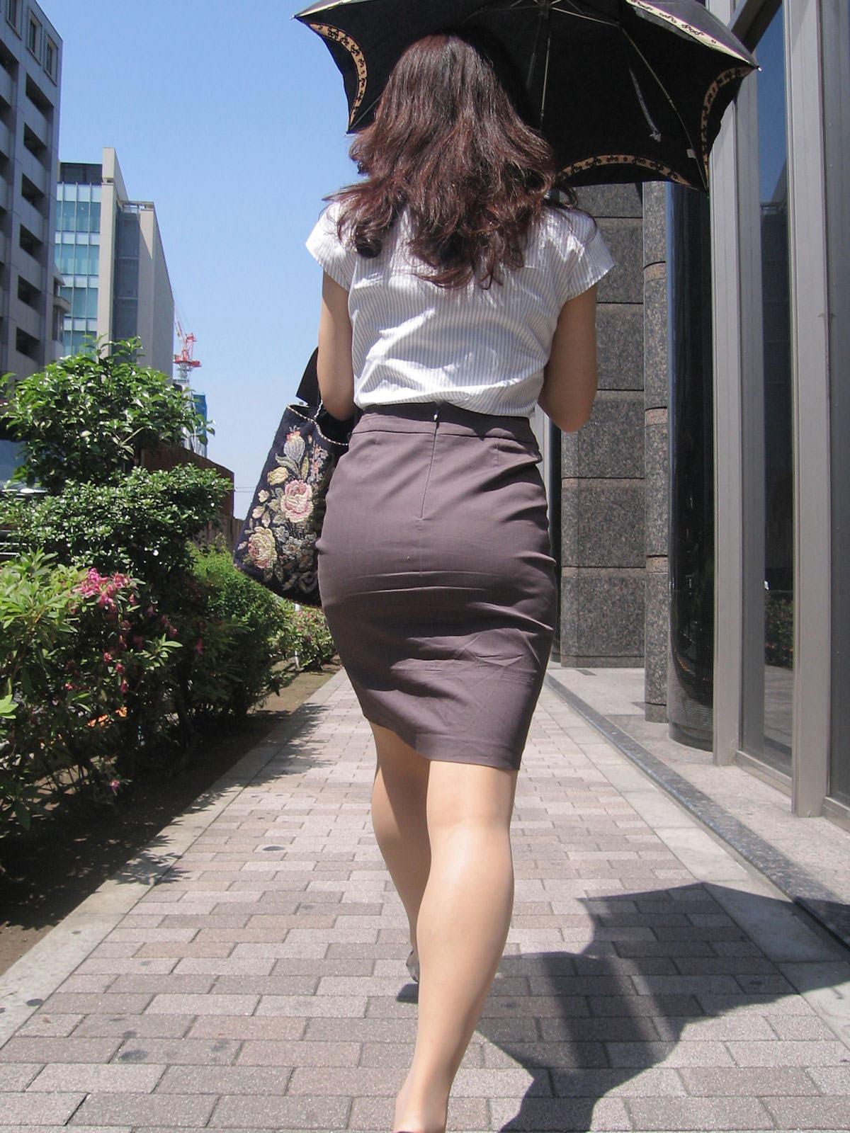制服着たOLの街撮りお姉さま画像だけで抜く奴www 2406