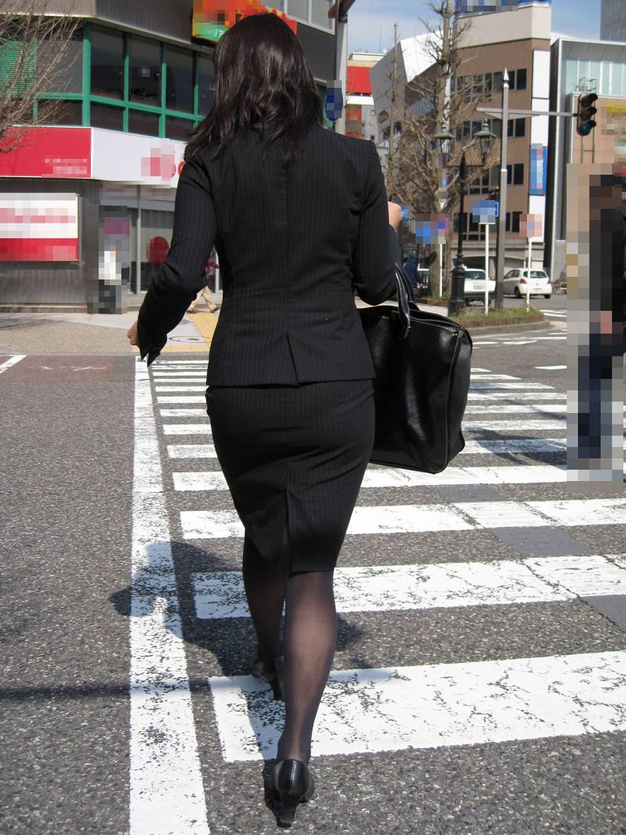 制服着たOLの街撮りお姉さま画像だけで抜く奴www 2407